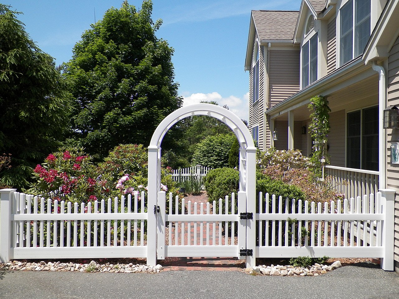Arbors cape cod fence company for Fence with arbor